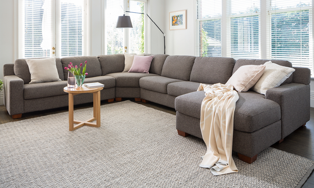 Your Guide to Corner Sofas | Plush Sofas & Furniture - Products
